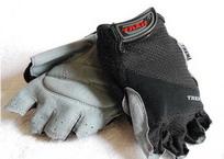bike-gloves_resize